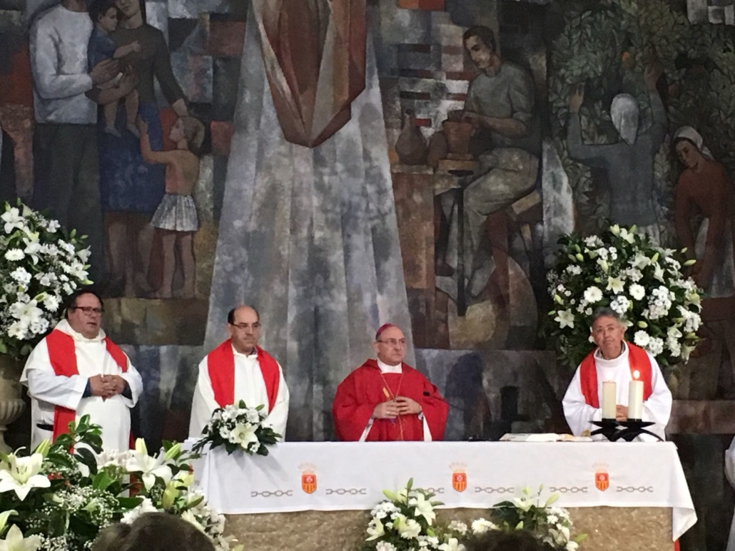 Misa pentecostés obispo religiosos
