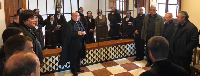 Carmelitas y clero joven