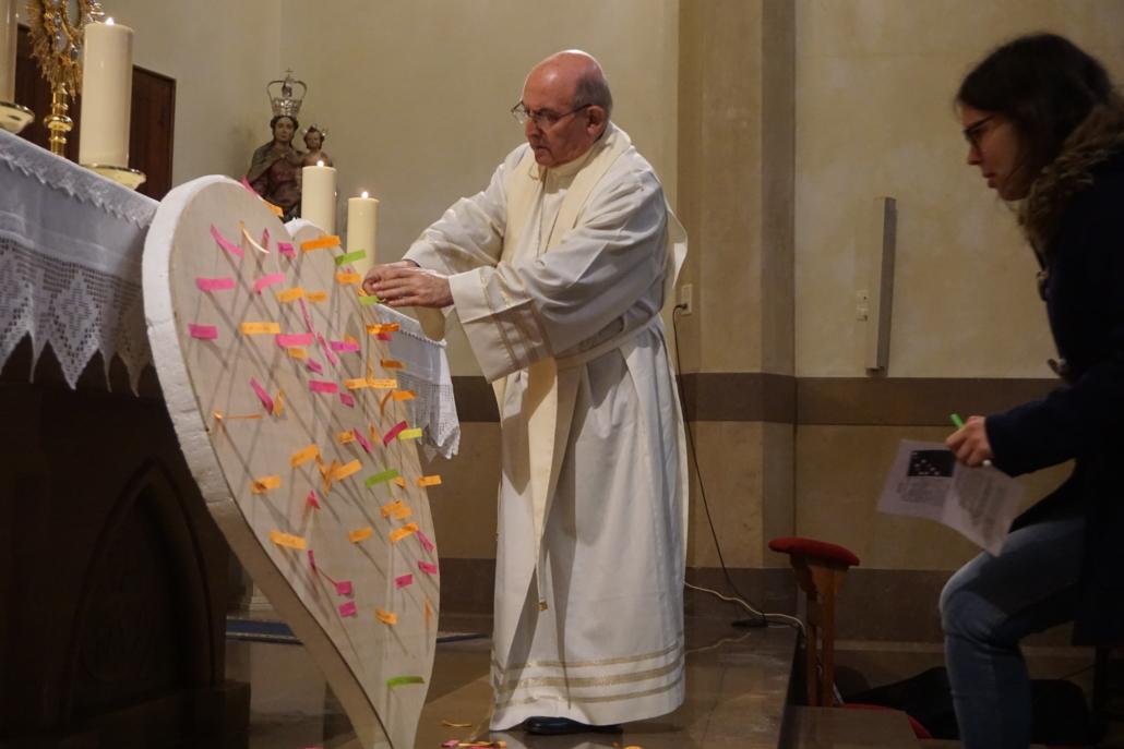 Obispo vigilia jóvenes