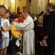 Obispo jóvenes altenativa